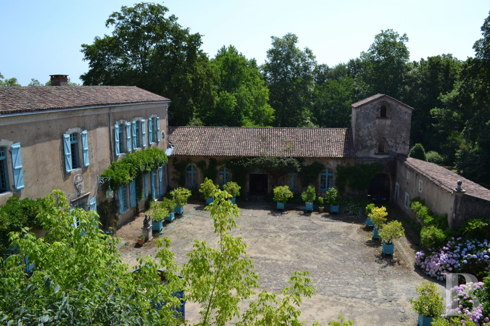 chateaux for sale France aquitaine historic residence - 6 zoom