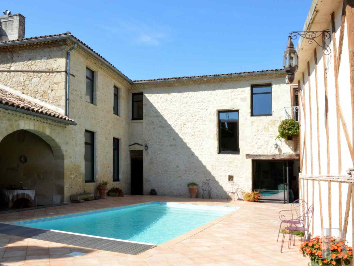 mansion houses for sale France aquitaine bordeaux region - 1 zoom