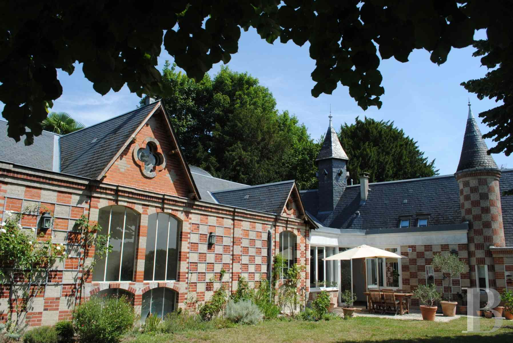 character properties France center val de loire tours property - 1 zoom