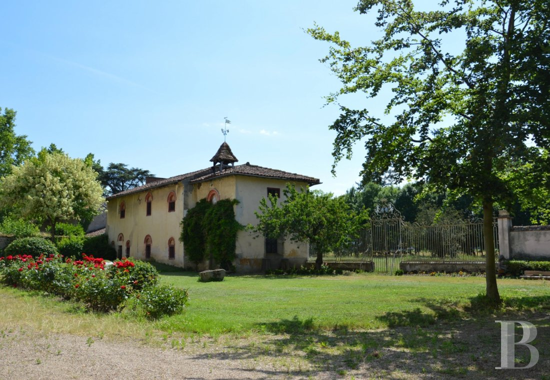 chateaux for sale France rhones alps liste chateau - 3