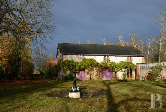chateaux for sale France pays de loire manor house - 16