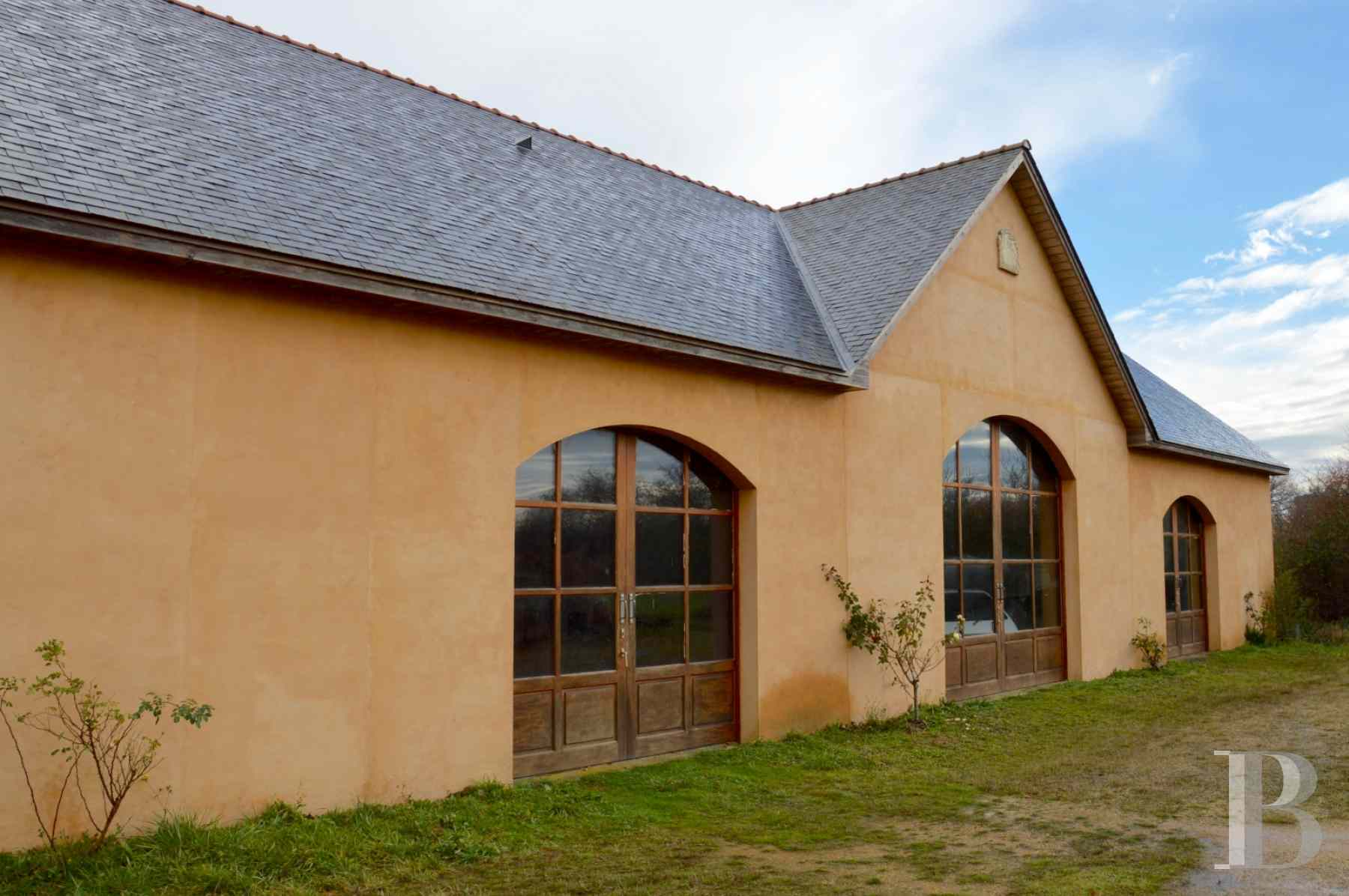 chateaux for sale France pays de loire manor house - 11 zoom