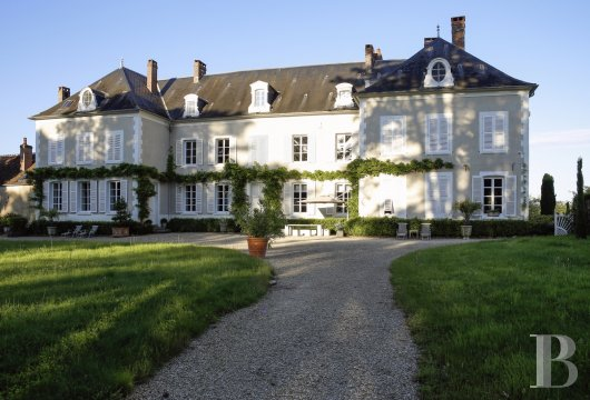 chateaux for sale France burgundy 3782  - 3