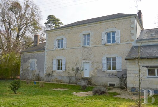 character properties France pays de loire vinegrower house - 3