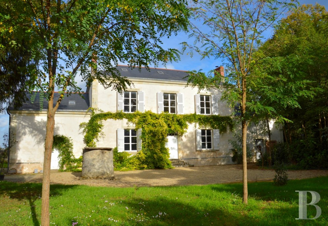 character properties France pays de loire vinegrower house - 1