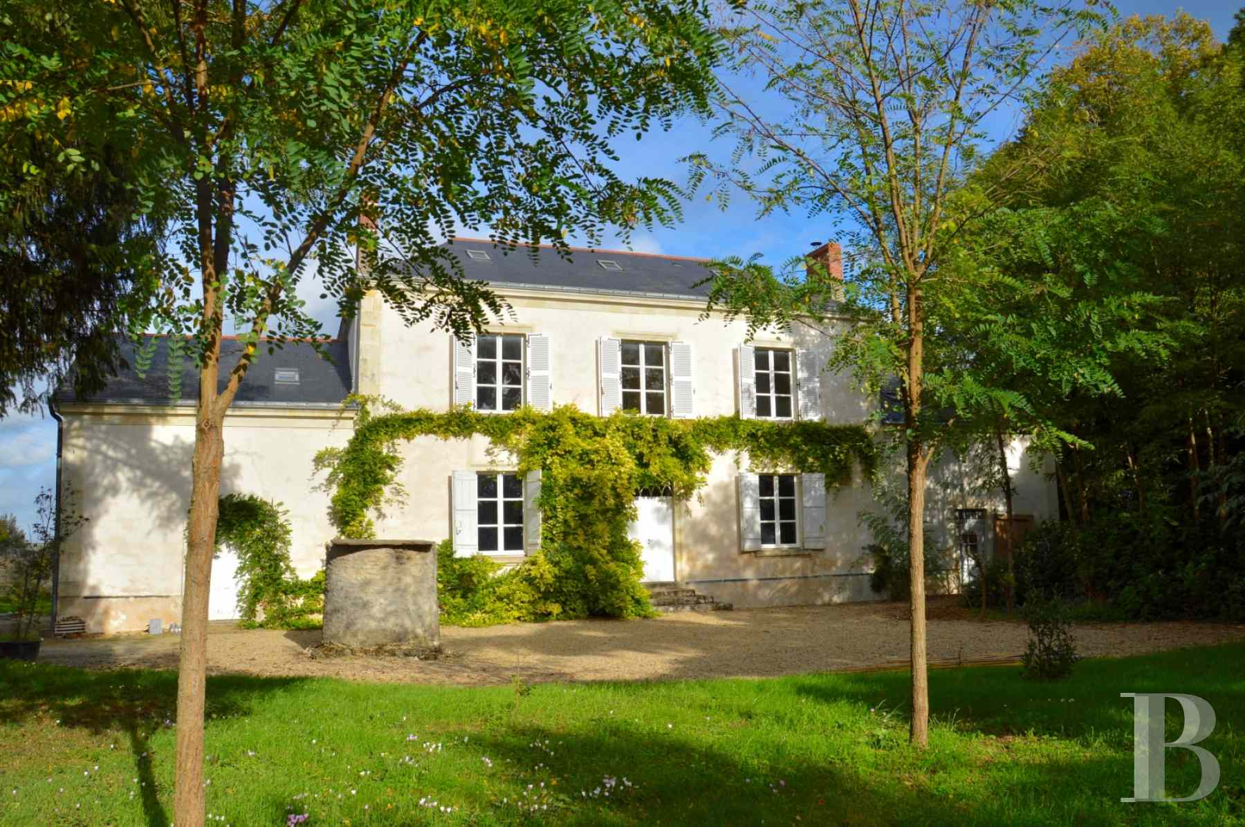 character properties France pays de loire vinegrower house - 1 zoom