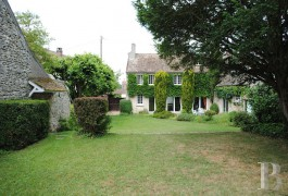 Farms for sale - ile-de-france - In the French department of Yvelines, near to Montfort-l�Amaury, a former 18th century farm
