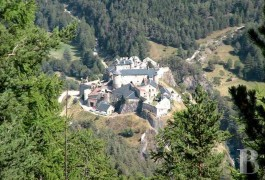 Castles / chateaux for sale - provence-cote-dazur - Close to Briançon in the Haute-Alpes,-large listed citadel of medieval origin