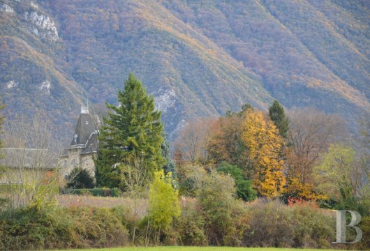 chateaux for sale France rhones alps chambery 18th - 17