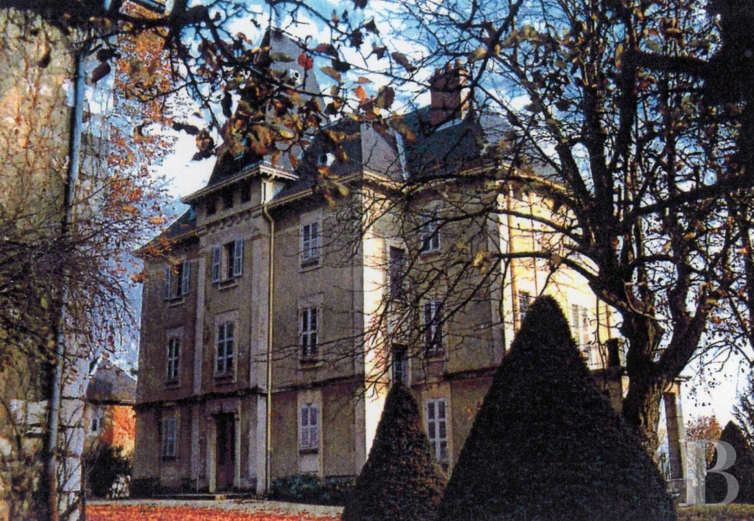 chateaux for sale France rhones alps chambery 18th - 1