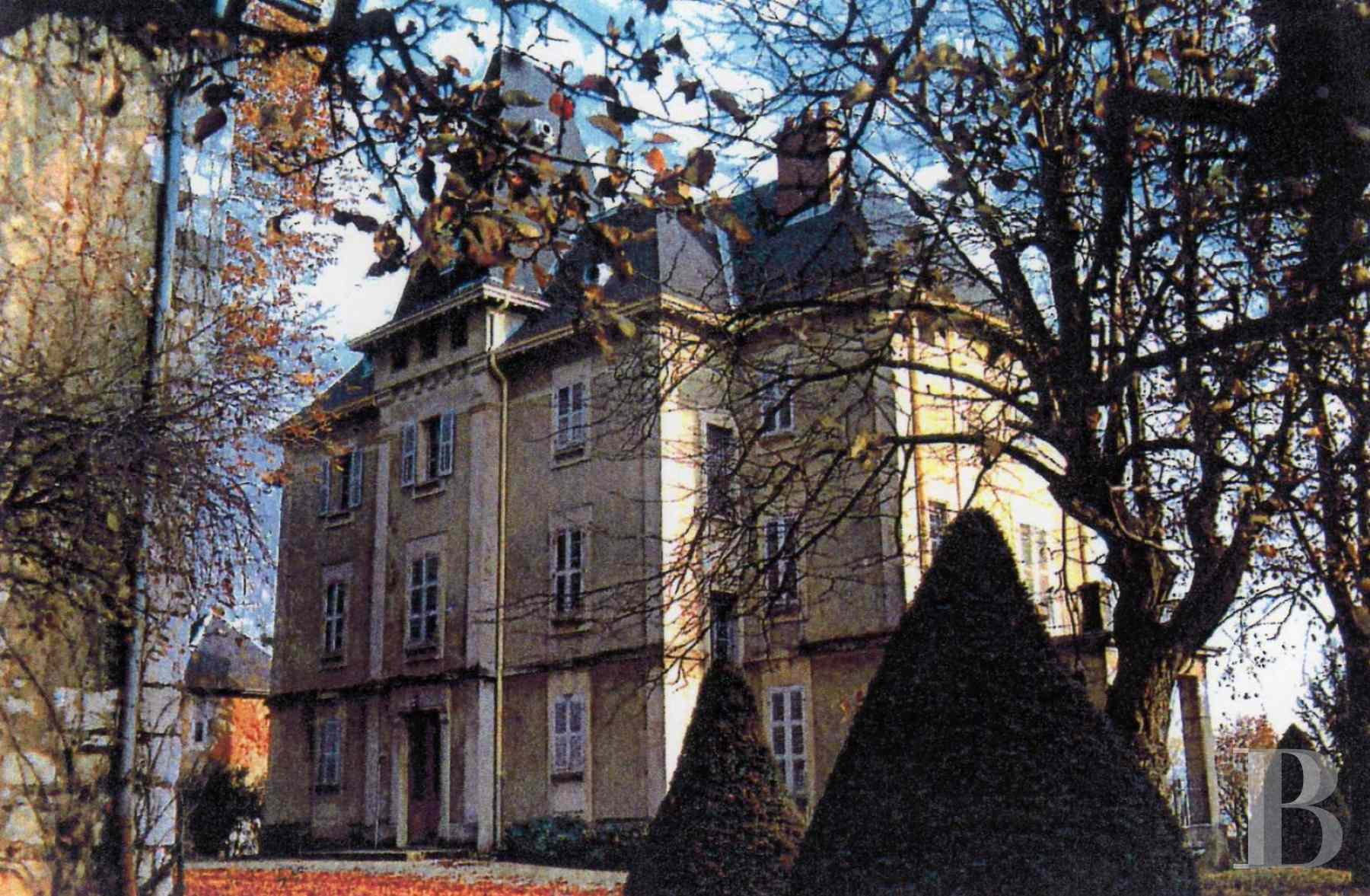 chateaux for sale France rhones alps chambery 18th - 1 zoom