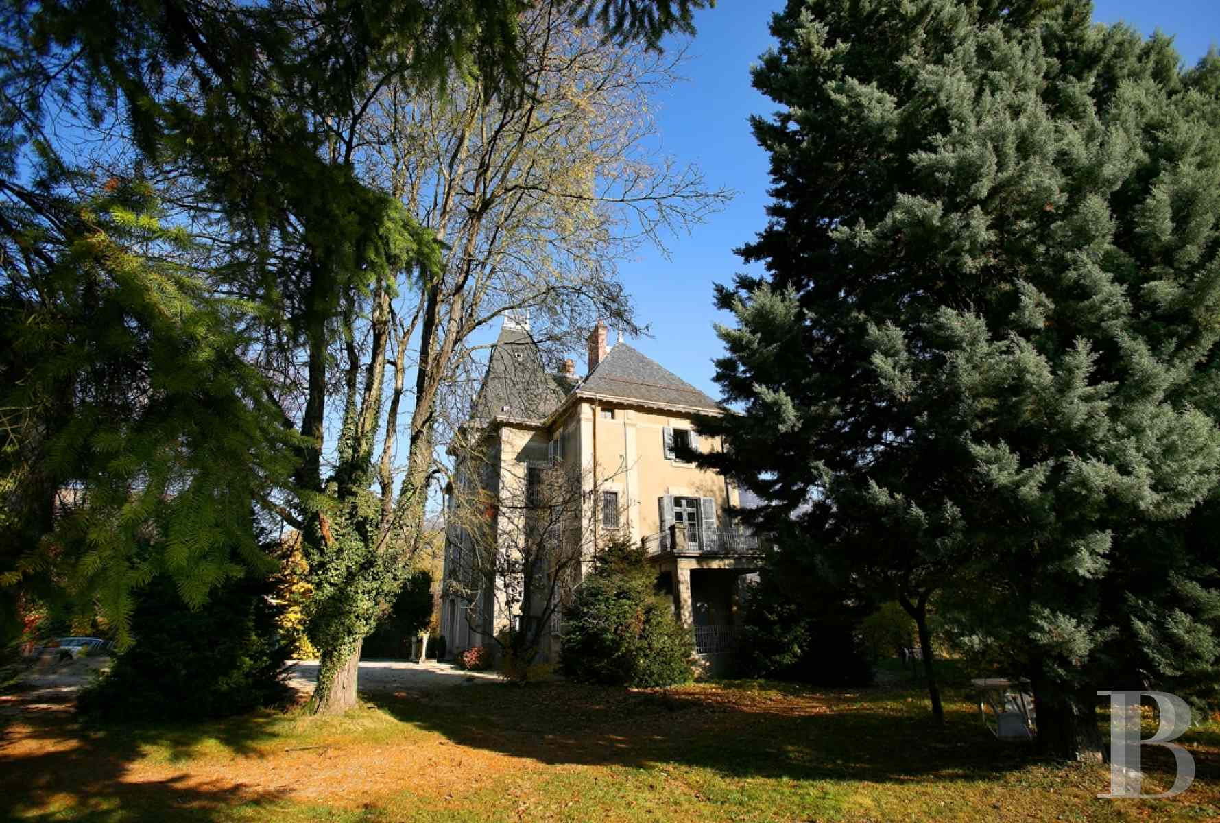 chateaux for sale France rhones alps chambery 18th - 2 zoom