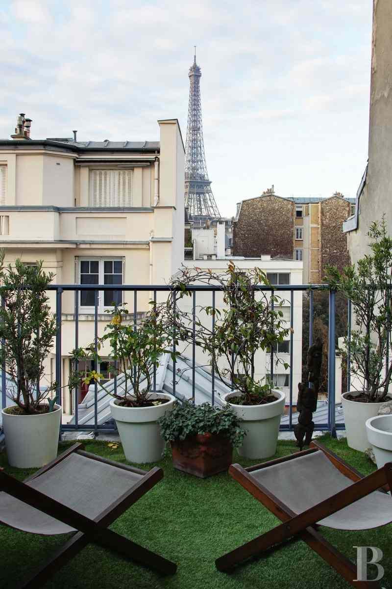 Dans le 7 arrondissement proche de l 39 esplanade des for Agence immobiliere specialisee terrasse paris