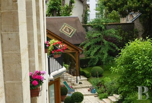 mansion houses for sale France burgundy flat garden - 14