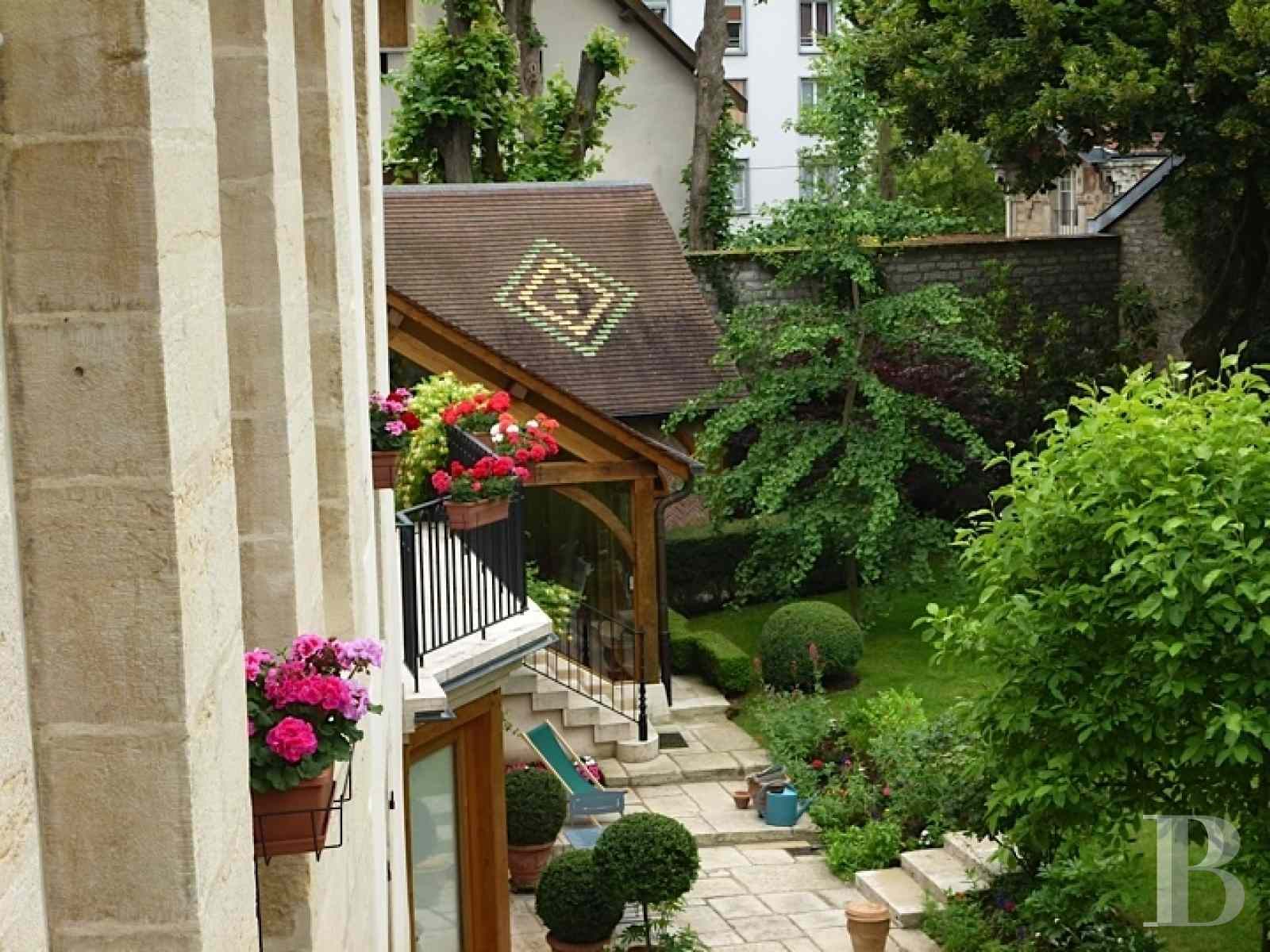 mansion houses for sale France burgundy flat garden - 14 zoom