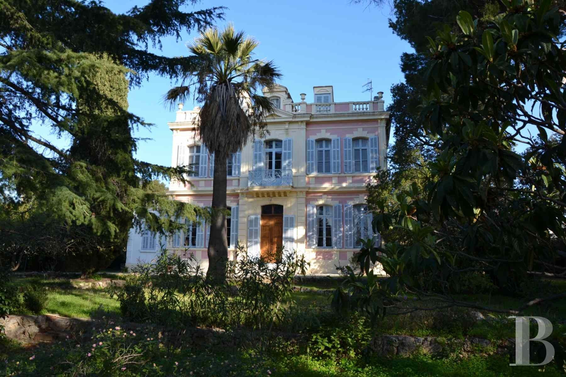 character properties France provence cote dazur bastide house - 1 zoom