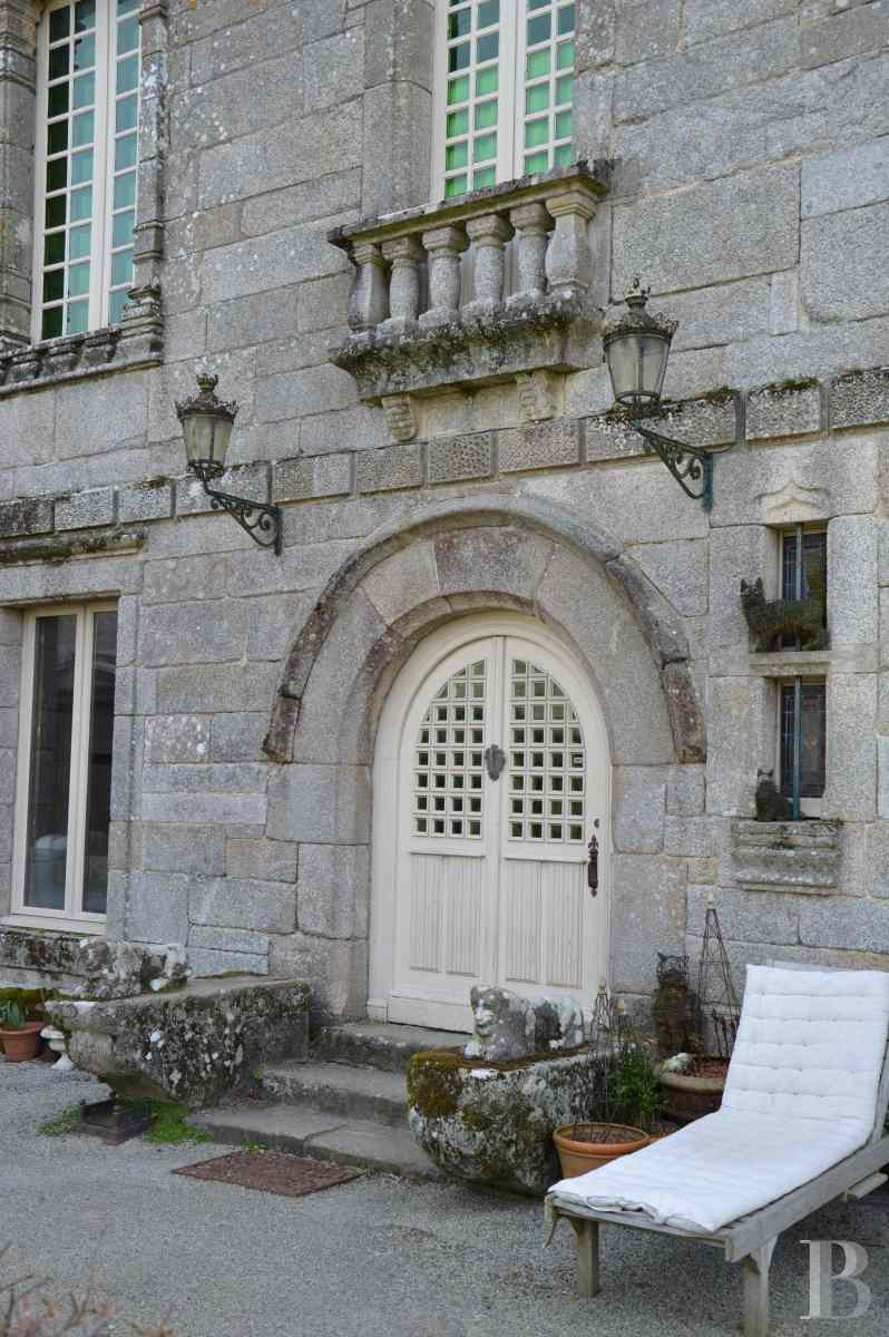 France mansions for sale brittany manor chapel - 2 zoom