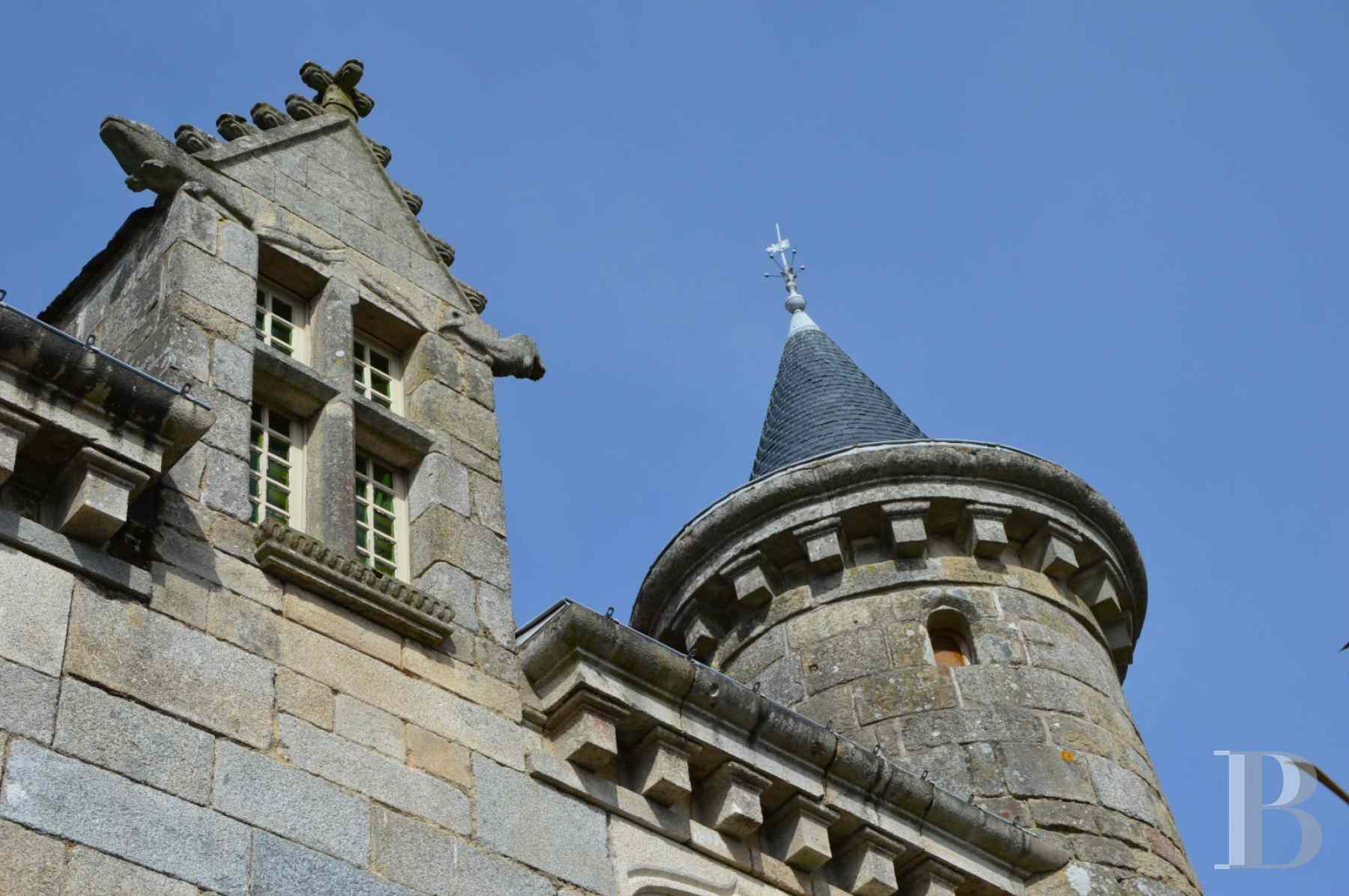 chateaux for sale France brittany manor chapel - 4 zoom