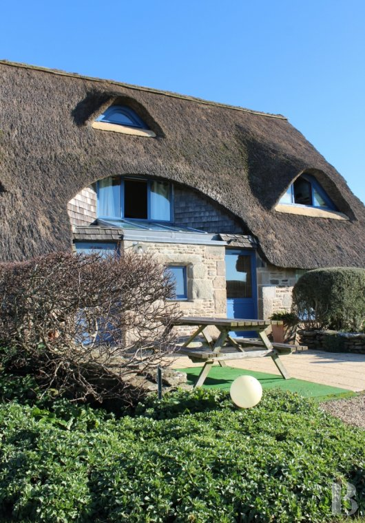 Character houses for sale - brittany - A large thatched cottage and its garden, spanning more  than a hectare, on the coast of Brittany's Audierne Bay