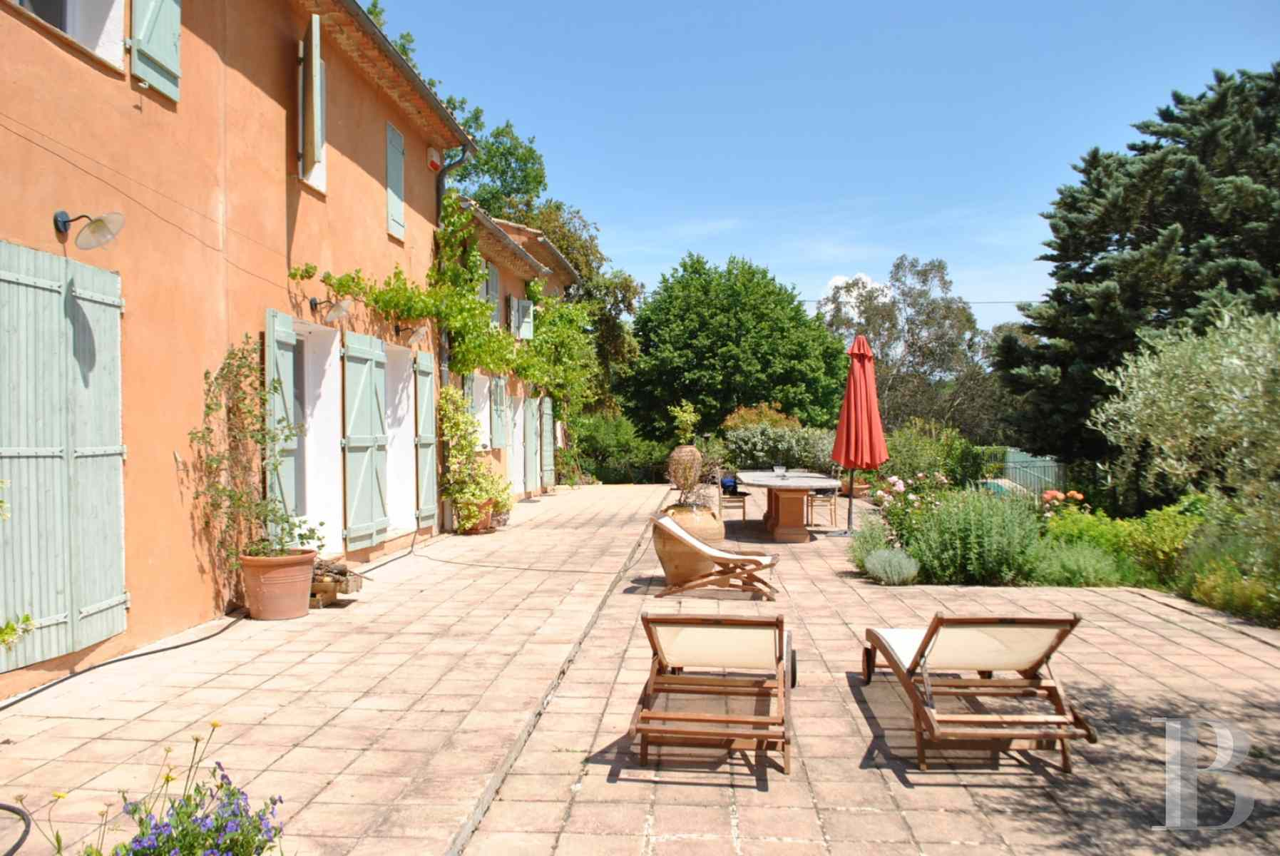 character properties France provence cote dazur renovated old - 4 zoom