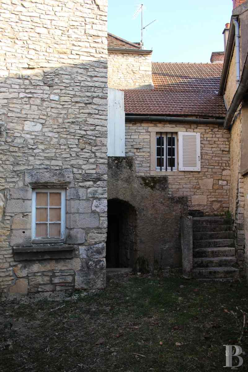 character properties France burgundy cote d - 3 zoom