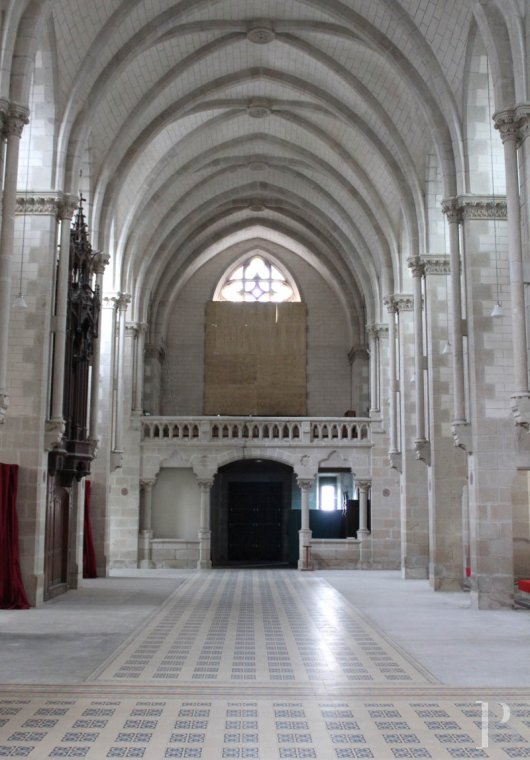 monastery for sale France brittany quimper chapel - 6