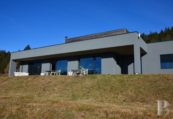 20th C. Architecture for sale - lorraine - A contemporary residence, steeped in light,  with a lake and the Vosges Forest on the horizon