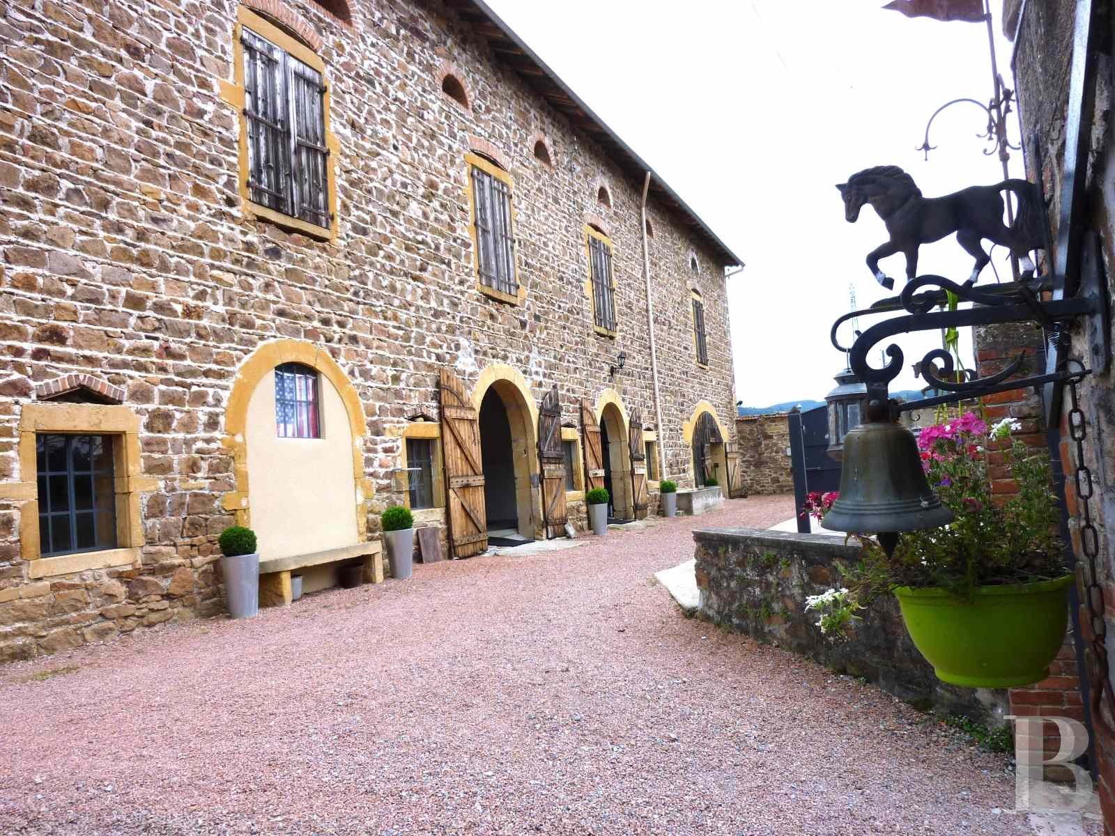 chateaux for sale France rhones alps upper beaujolais - 10 zoom