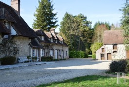 character properties France center val de loire farm building - 12 mini