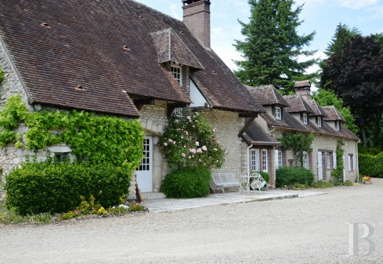 character properties France center val de loire farm building - 1 mini