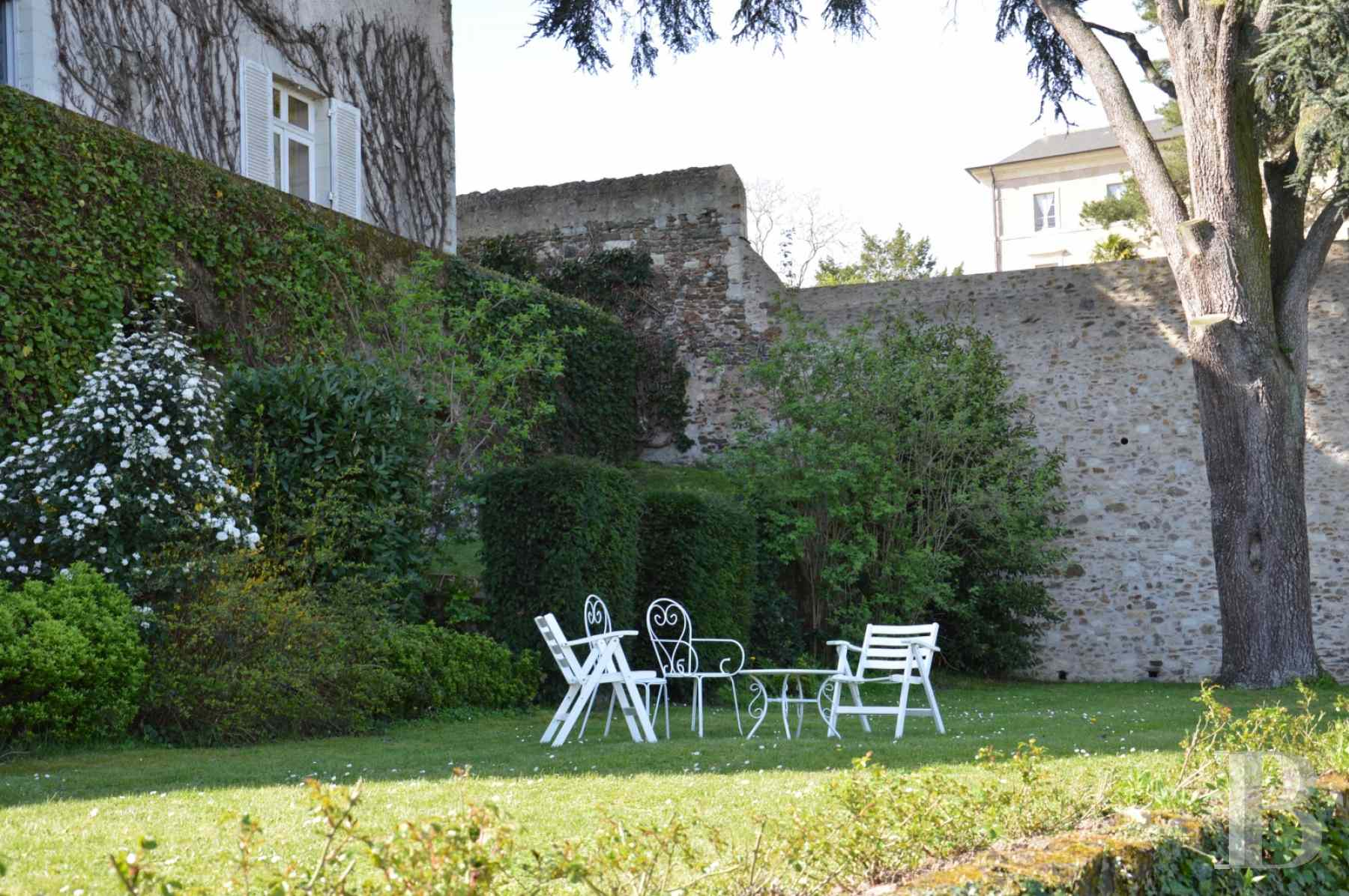 character properties France pays de loire presbytery garden - 13 zoom