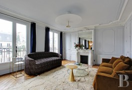 appartments for sale paris top floor - 4