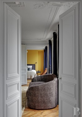 appartments for sale - paris - A fifth floor, 5-roomed flat with a balcony and an unobstructed view  on Boulevard-Saint-Michel, on the edge of Luxembourg Gardens