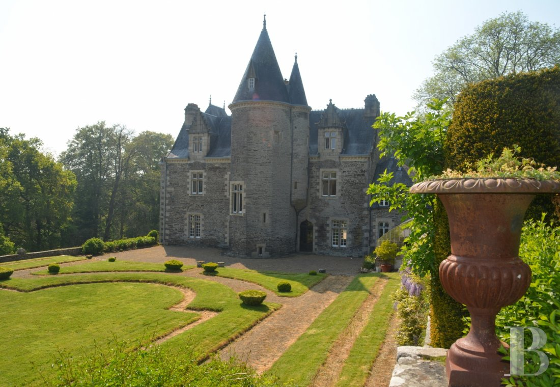 chateaux for sale France brittany   - 22