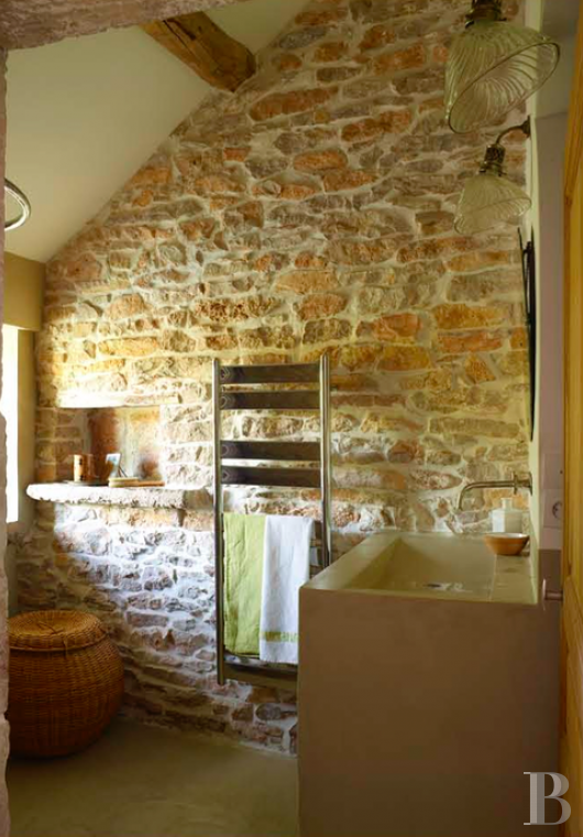 fA quiet refuge offering the perfect way to rediscover the joys of the countryside  amongst the famous vineyards of Burgundy between Beaune and Mercurey - photo N°16