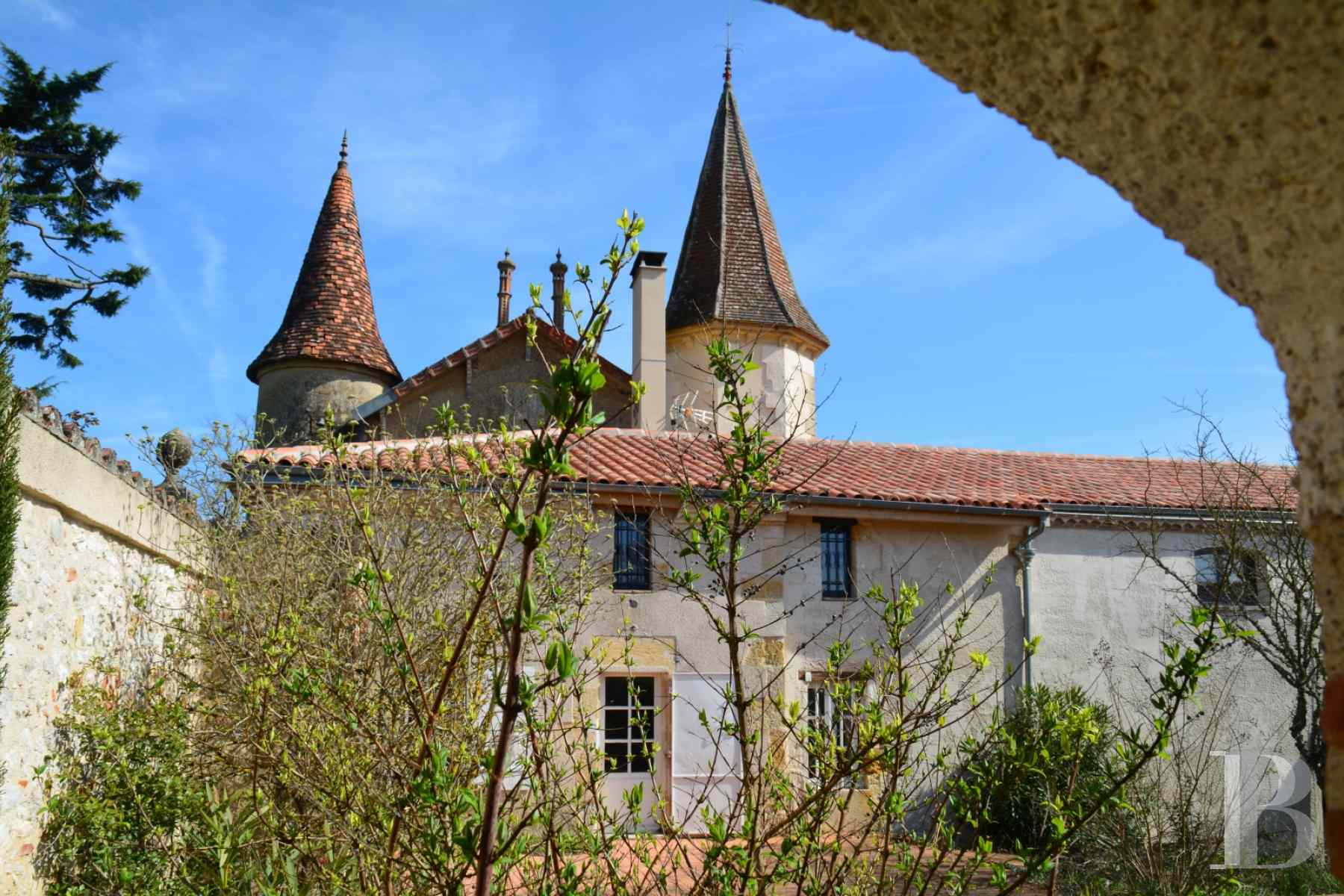 chateaux for sale France aquitaine property gers - 2 zoom