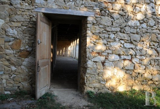fA welcoming place that was once a hospital at the edge of the Ariège Pyrenees nature park in the south of Toulouse  - photo N�8