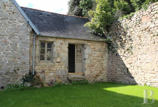 character properties France brittany audierne old - 4