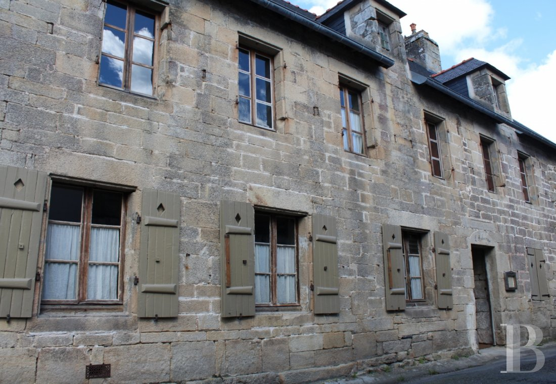character properties France brittany audierne old - 1