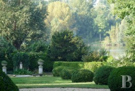 character properties France paris property parkland - 17 mini