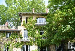 character properties France paris property parkland - 3