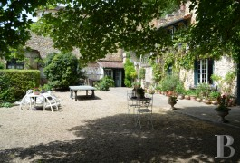 character properties France paris property parkland - 7 mini