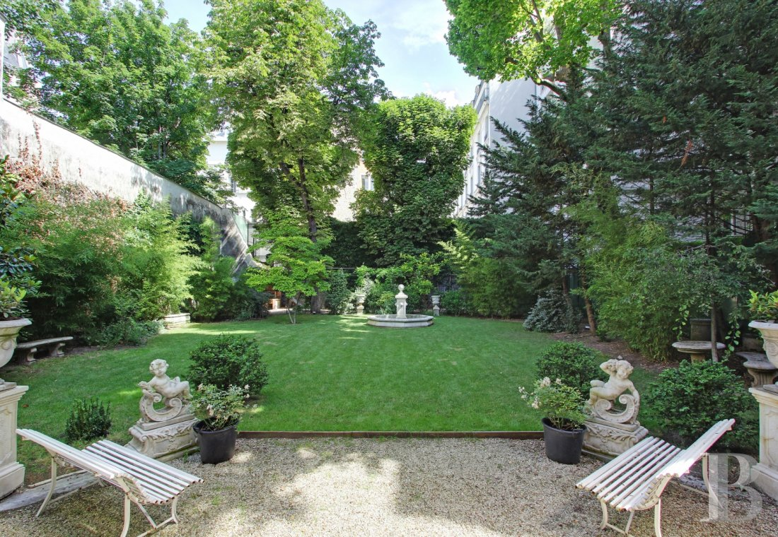mansion houses for sale paris courtyard garden - 18