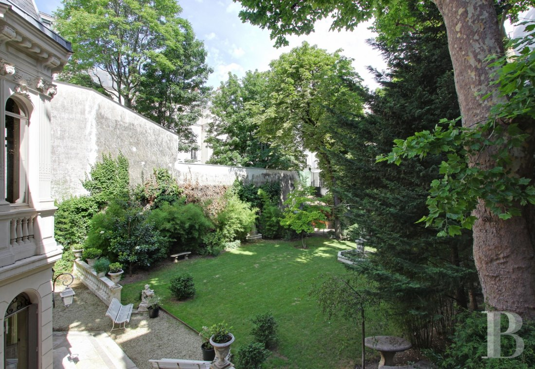 mansion houses for sale paris courtyard garden - 19