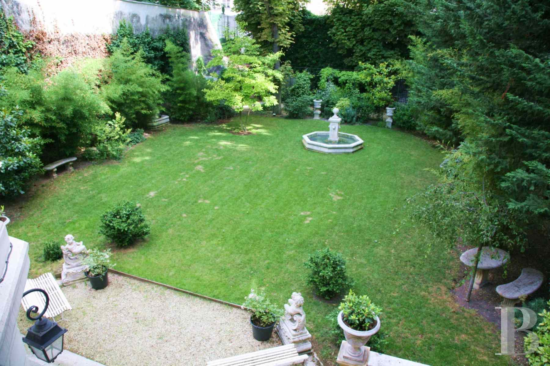 mansion houses for sale paris courtyard garden - 20 zoom