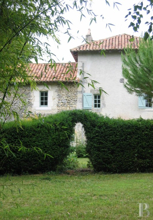 Character houses for sale - aquitaine - A 17th century, large, luxurious home  a short distance from Brantôme in the Green Périgord area