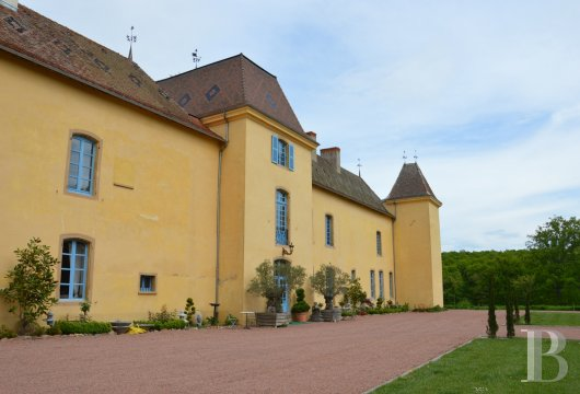chateaux for sale France rhones alps roanne region - 2