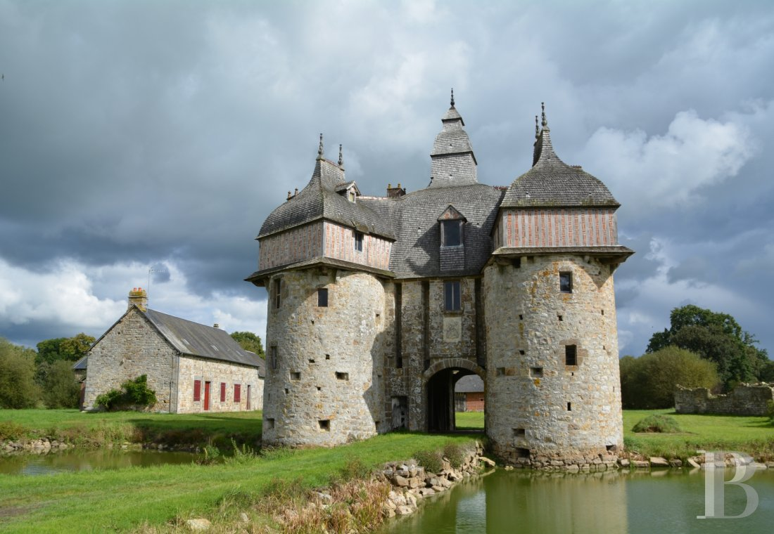"Manors for sale - lower-normandy - The listed ""Manoir de la Sausserie"", a 15th & 16th century miniature castle  and its outbuildings, with more than 6 ha of land, in the French department of Orne"