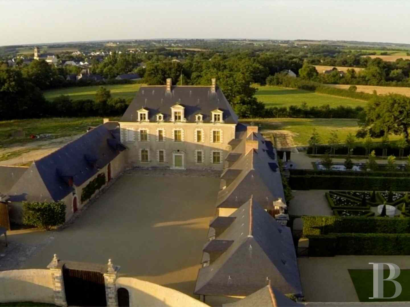 France mansions for sale pays de loire manors historic - 12 zoom