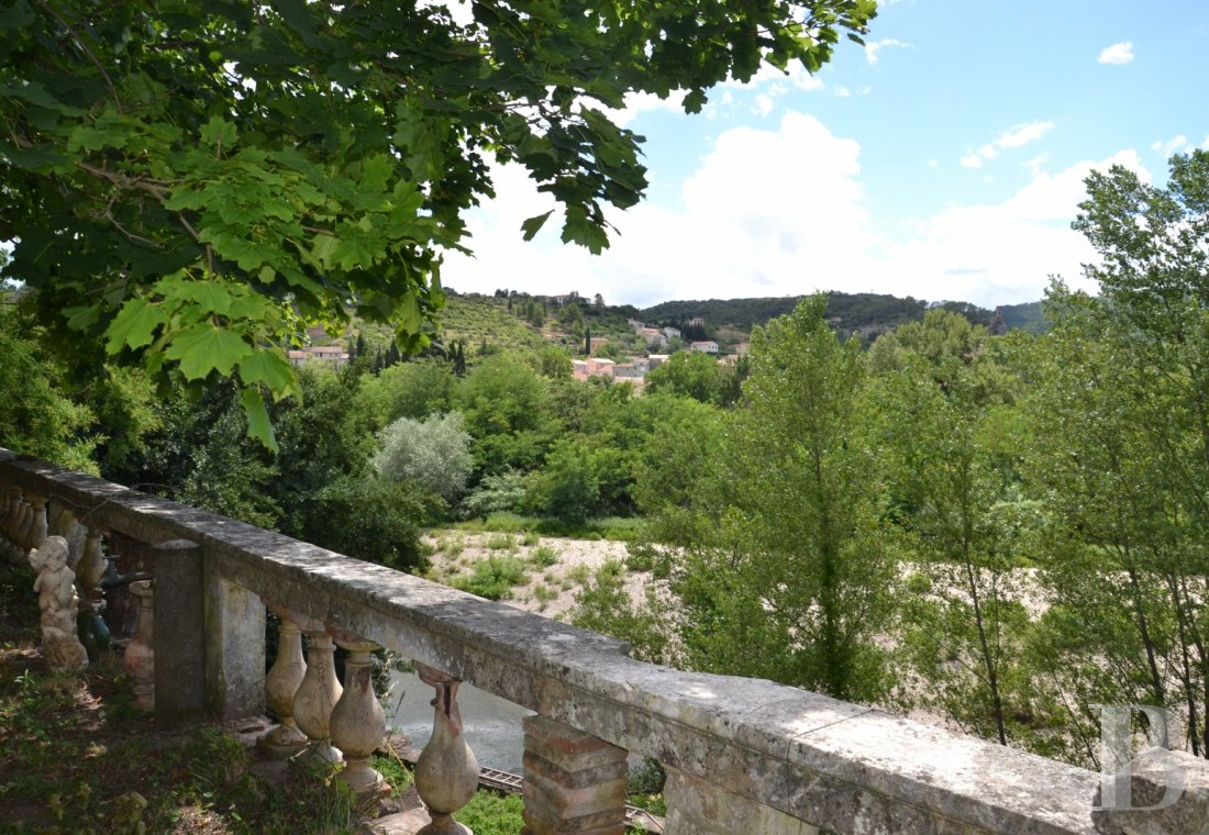 character properties France midi pyrenees character houses - 9